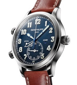 The Patek Philippe Calatrava Pilot Travel Time 5524 has a dual time zone mechanism indicating local and home time.